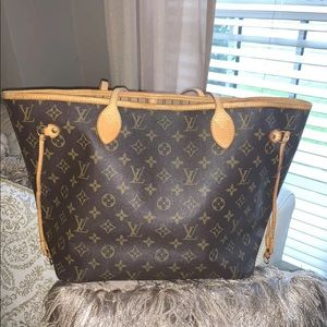 Louis Vuitton Neverfull handbag MM authentic